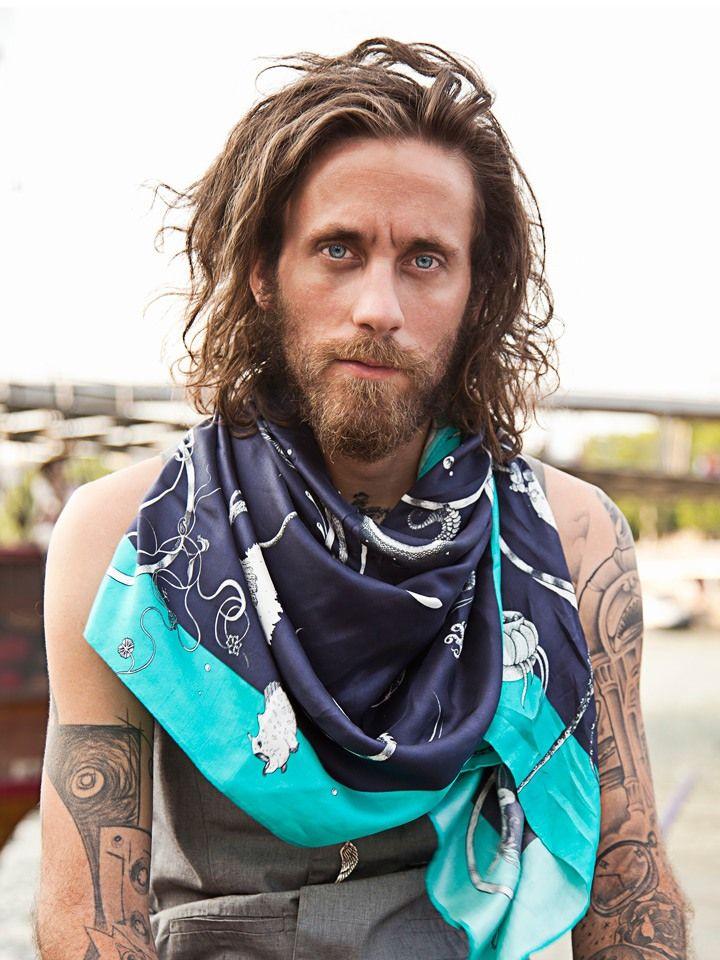 Des foulards voyageurs pour homme