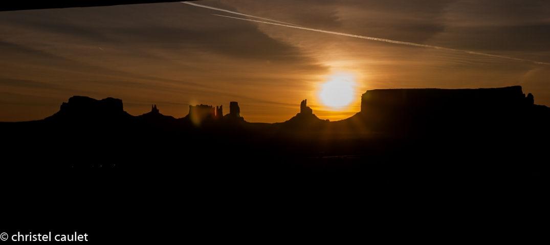 Road-trip USA- lever du soleil à Monument Valley