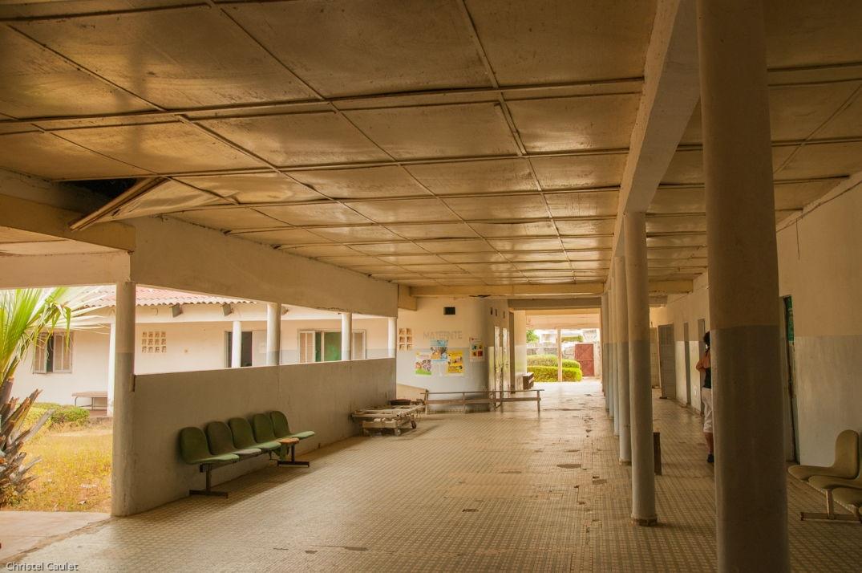 Dans l'entrée de l'établissement