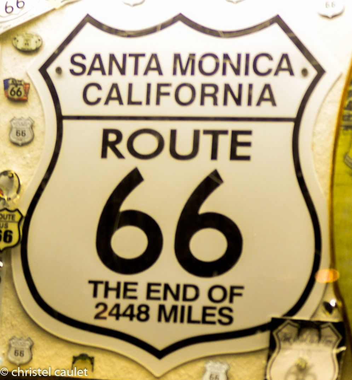 Le bout de la route 66 à Santa Monica à Los Angeles - road-trip USA