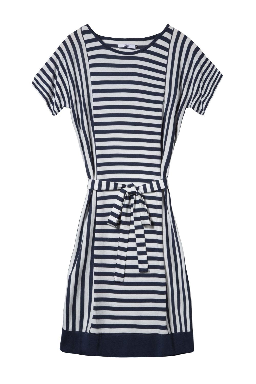 Une robe marine