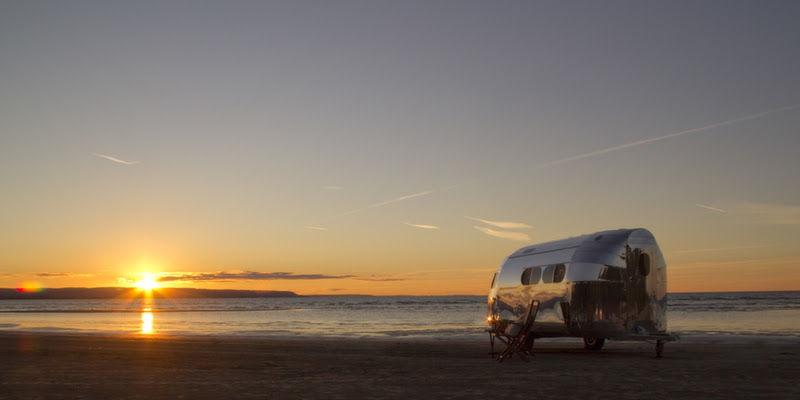Coucher de soleil avec van