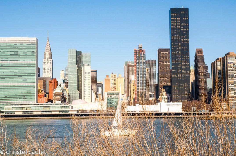 Un voilier au calme sur l'Hudson River