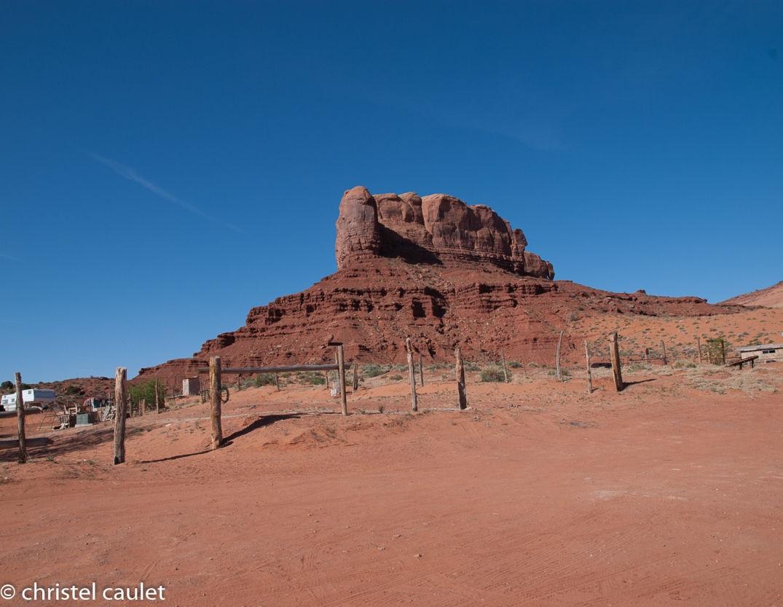 Rando matinale pour découvrir un rocher proéminent à Monument Valley