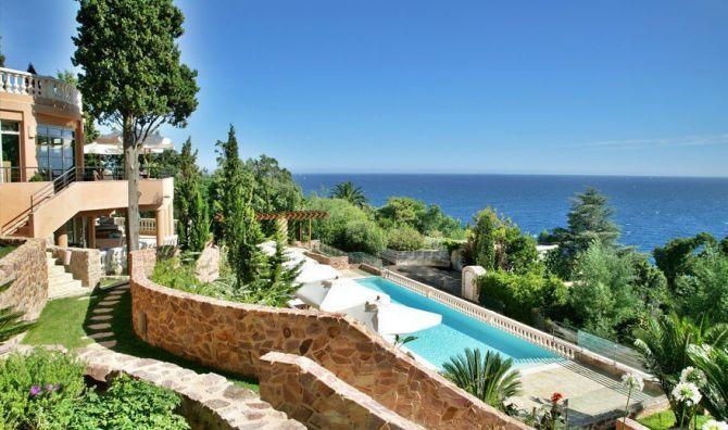 Vue imprenable sur l'Hôtel Tiara Yaktsa à Cannes
