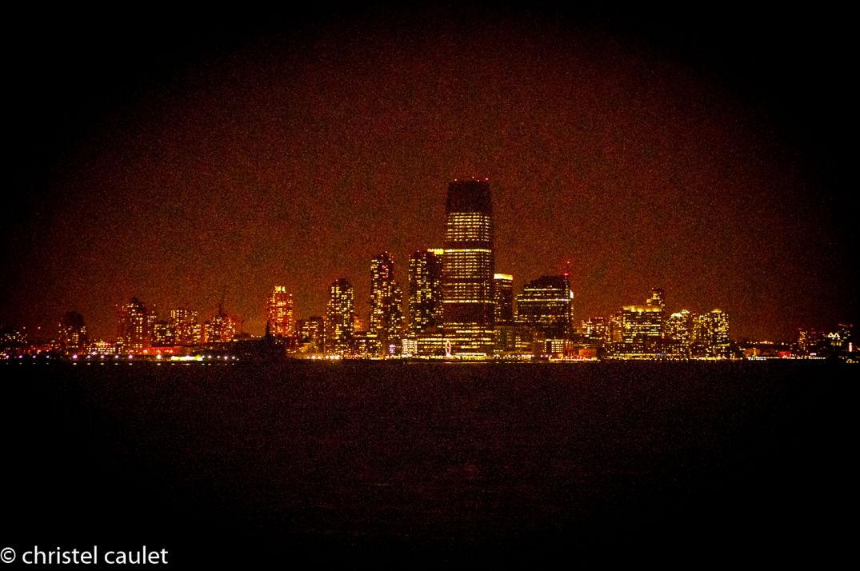 Dans la nuit noire admirer New York