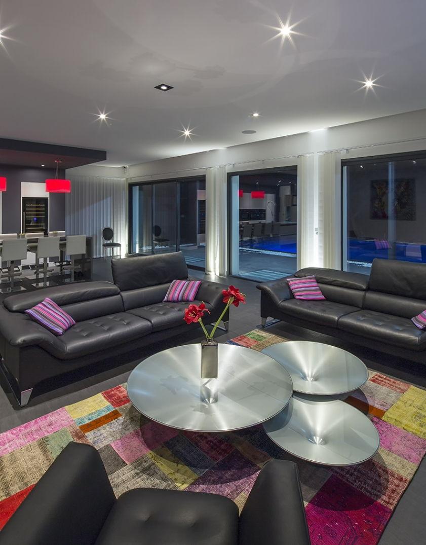 S'installer dans le salon d'Oenovilla à Bordeaux