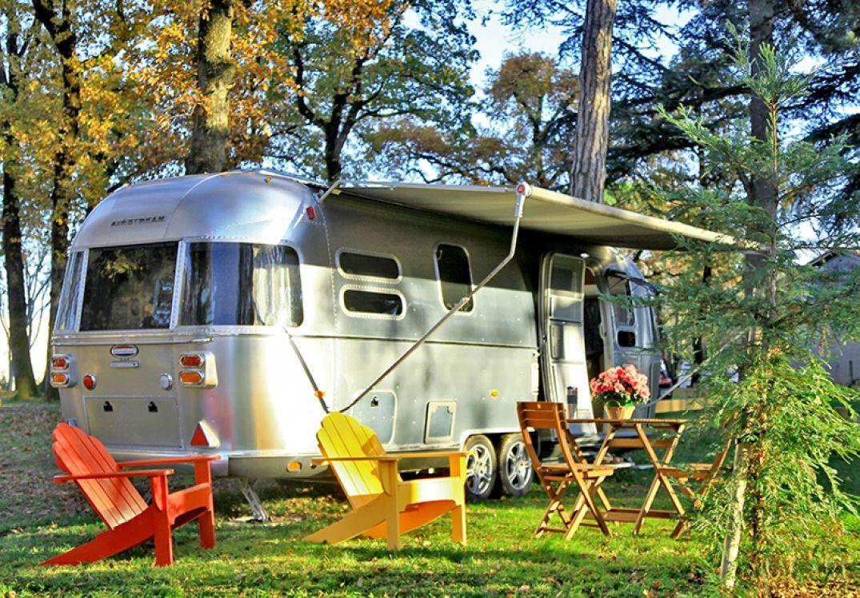 Hébergement insolite : les trucks à l'américaine à découvrir 5Droits photos : Albirondack Parc