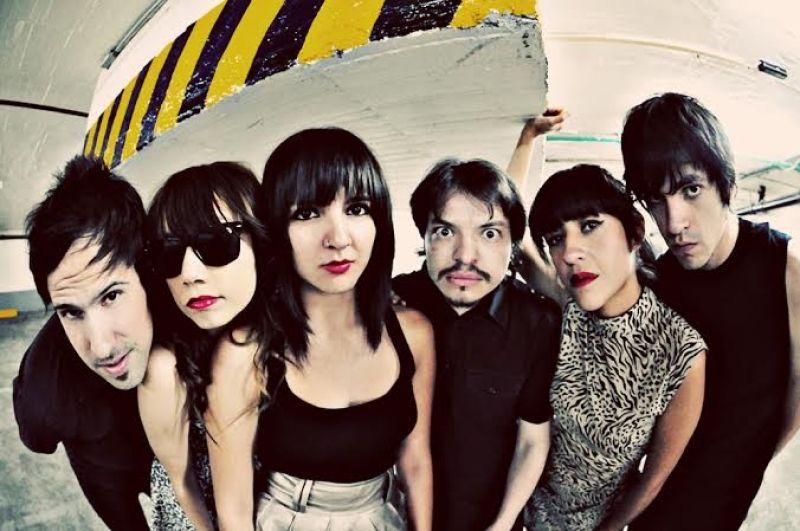 Groupe de musique au festival Benvinguts al Grec à Barcelone