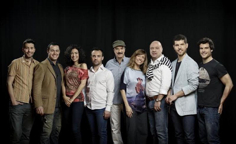 Troupe de théâtre au festival Benvinguts al Grec à Barcelone