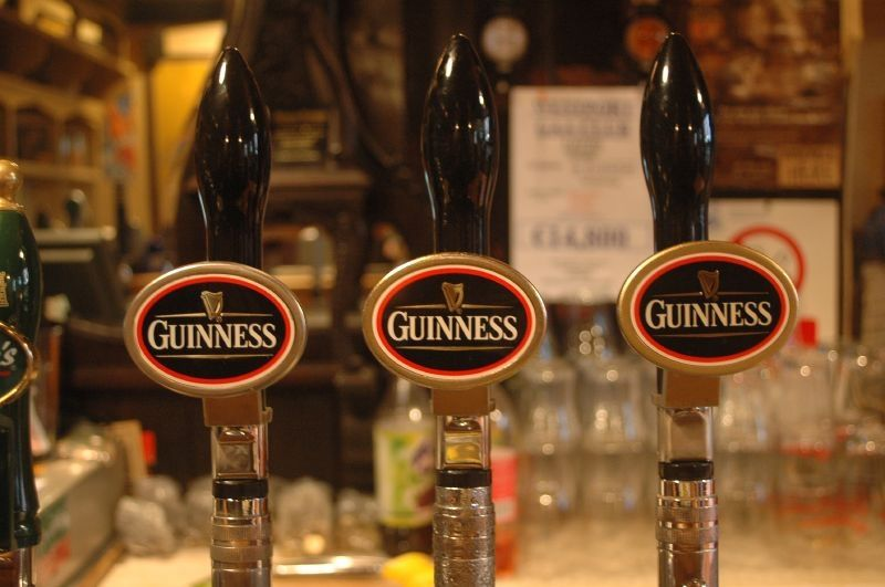Une pinte de Guinness, une obligation ici