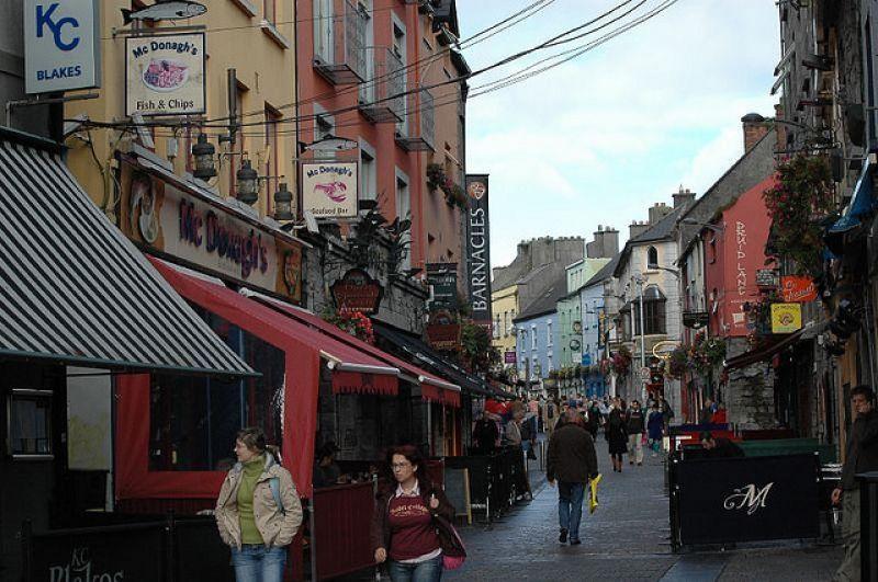 Dans la rue principale de Galway