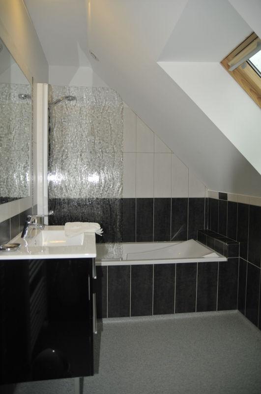 La salle de bain du 3e gite de la Tissanderie à Lassouts