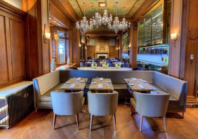 La salle du petit déjeuner buffet à l'hôtel Fairmont le Château Frontenac à Québec