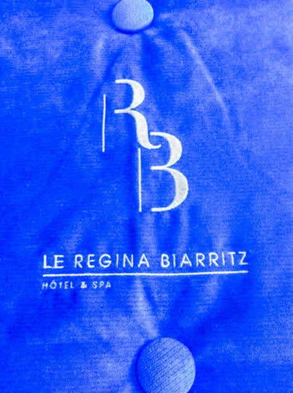 La signature d'un grand hôtel de prestige, le Régina Hôtel à Biarritz