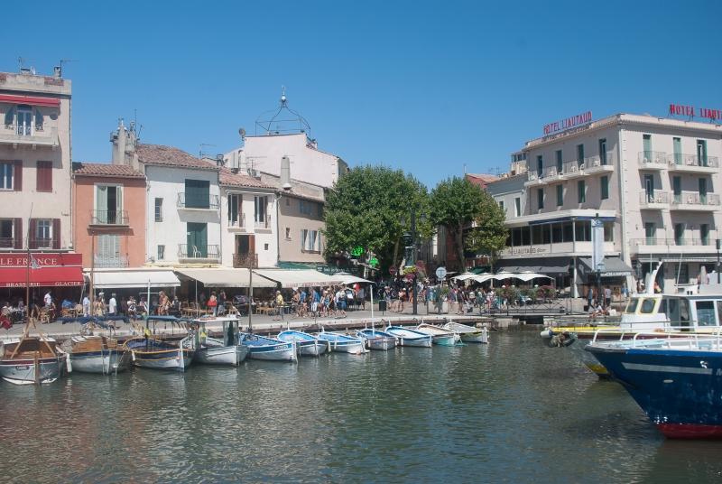 Au port à côté de Marseille
