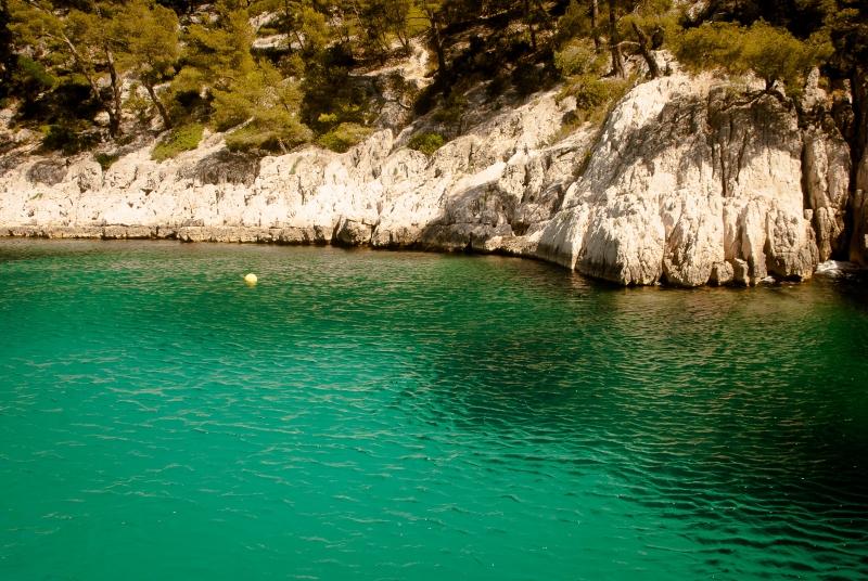 Les eaux turquoises des Calanques de Marseille