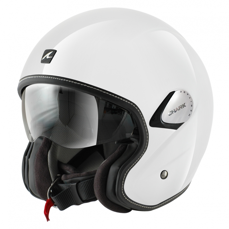 Le casque blanc de Shark