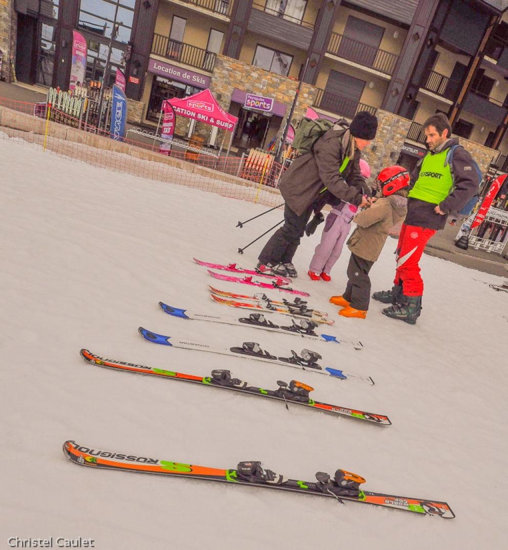 On chausse les skis à Peyragude