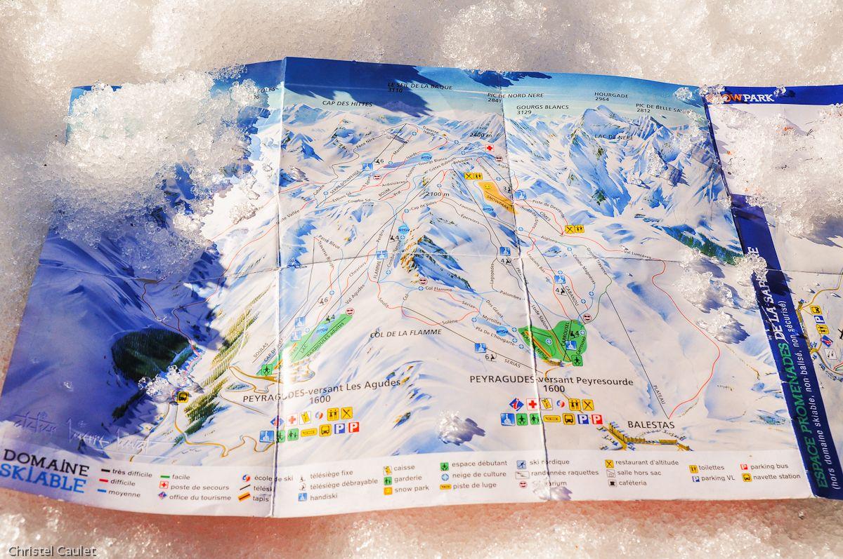 Un plan des pistes de skis de Peyragude