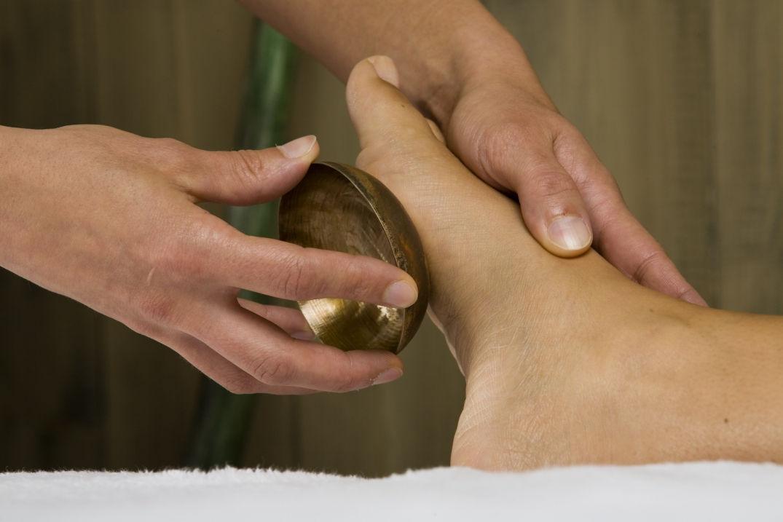Massage des pieds à Balnéa