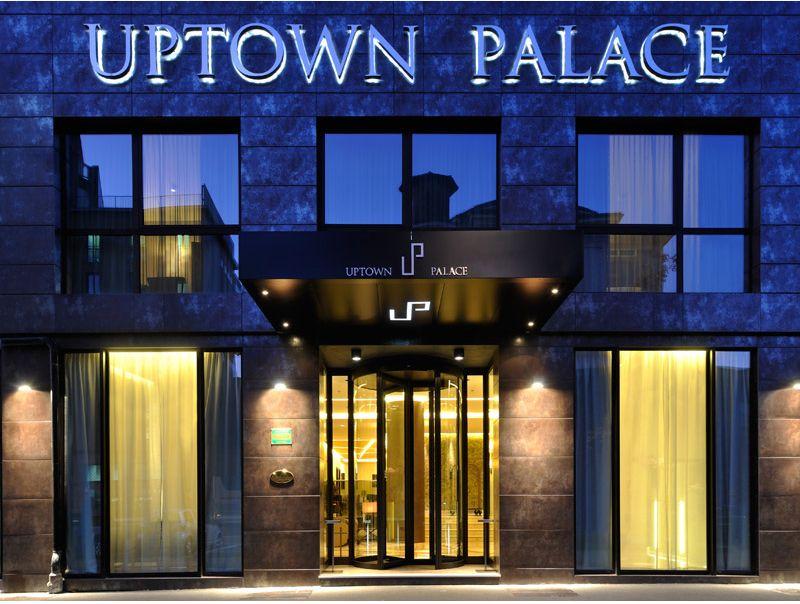 La façade de l'Uptow palace à Milan
