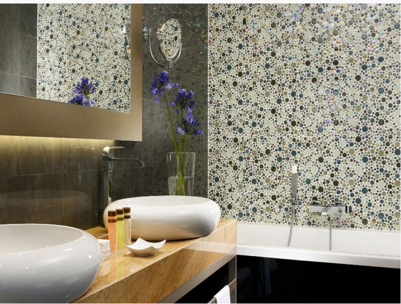 La salle de bains privative attenante à l'Uptown Palace à Milan