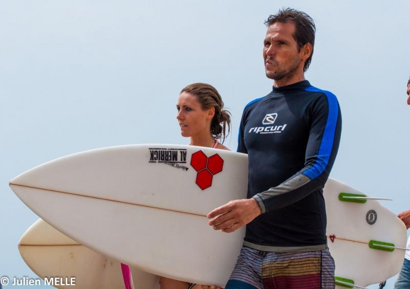 Des surfeurs au Big Festival