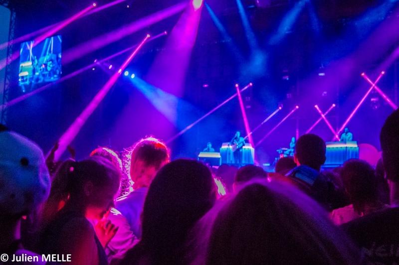 Jeux de lumière sur Metronomy à Big Festival