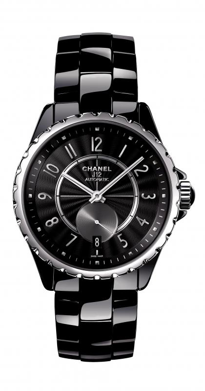 Montre noire Chanel