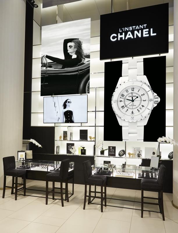 A l'intérieur de la boutique éphémère Chanel