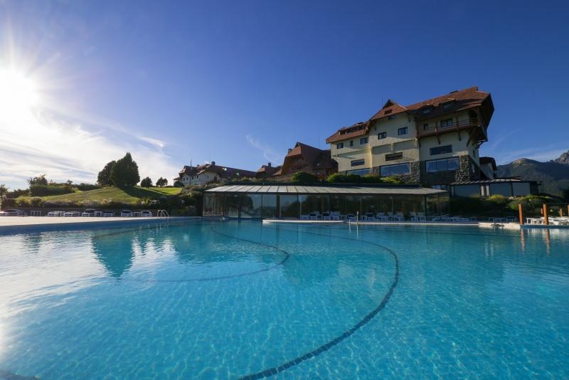 Depuis la piscine du Resort Golf spa de Bariloche en Argentine