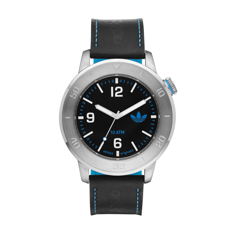 Adidas Originals affiche ses nouvelles montres luxe