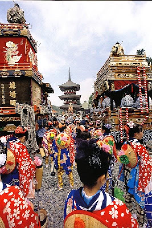 On plonge quelques siècles en arrière à Gion Matsuri au Japon