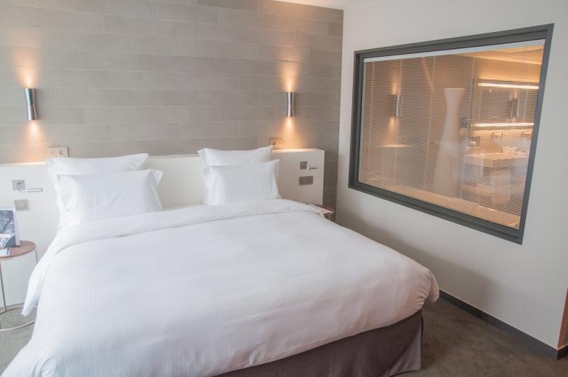 Le lit de l'Hôtel Pullman Tour Eiffel à Paris