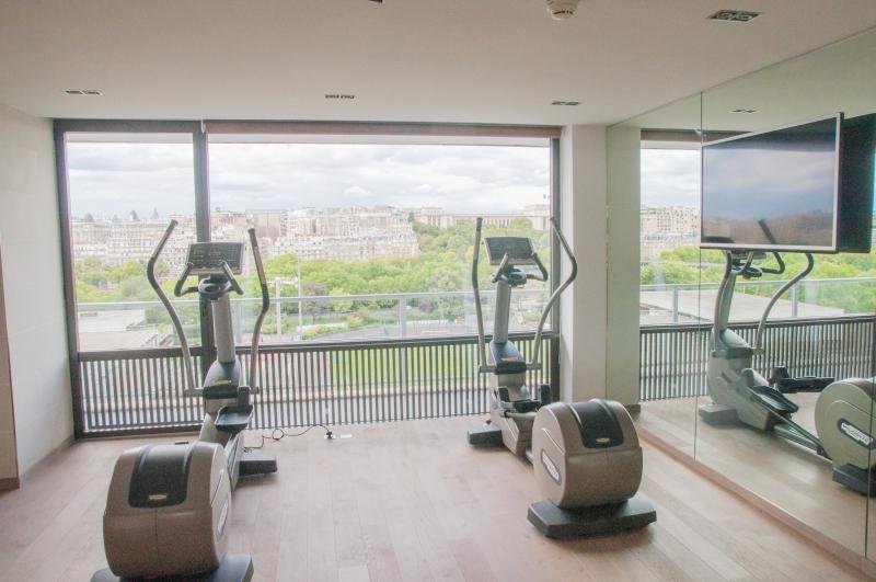 La salle de fitness de l'Hôtel Pullman Tour Eiffel à Paris