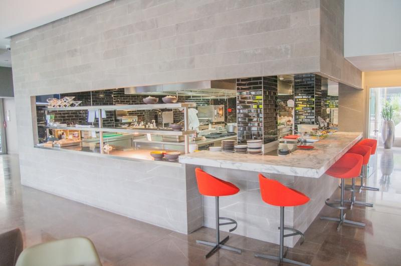 Cuisine ouverte au Fra/me à Paris