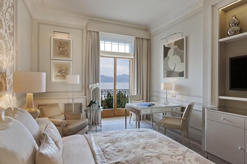 Dans une des chambres confortables de l'hôtel Beau Rivage à Lausanne