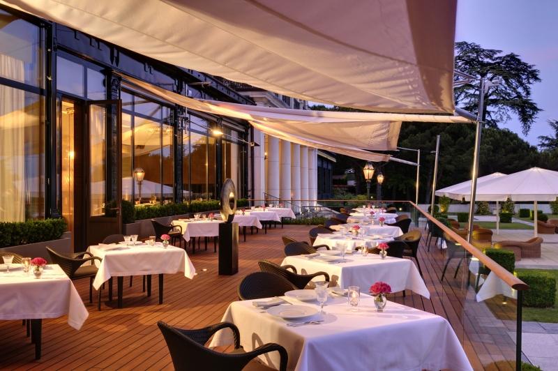 Le restaurant du Beau-Rivage Palace Lausanne élu « Meilleur Hôtel de Ville en Suisse »