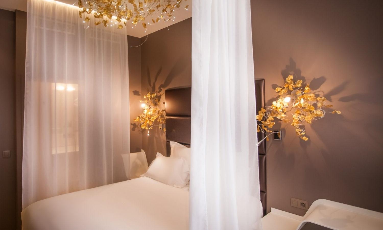 L'hôtel Legend à Paris, jeux lumineux