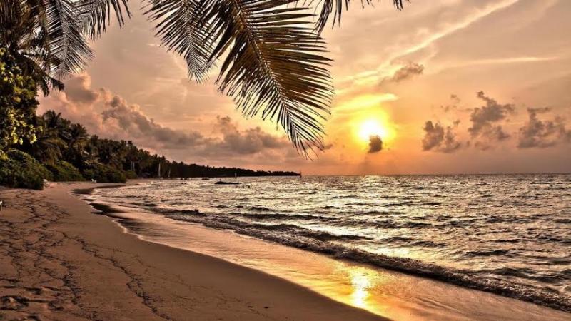 Des couchers de soleils magiques aux Maldives