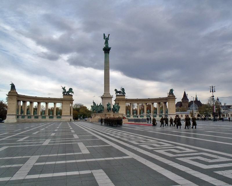 La grande place de Budapest