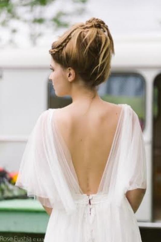 Une robe élégante pour un mariage bohème
