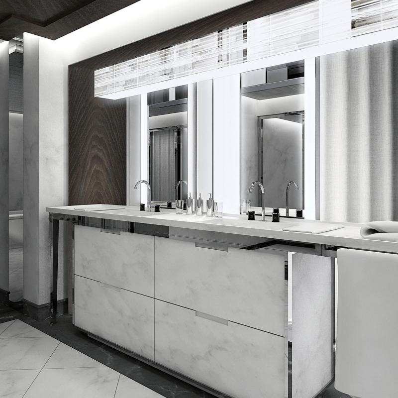 La salle de bain avec ses produits de beauté au Baccarat hôtel à New York