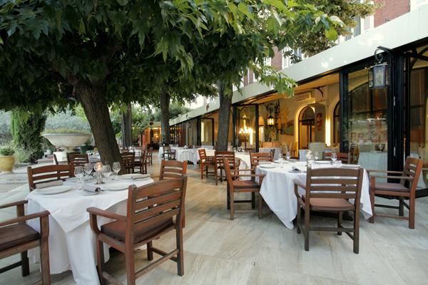 Le restaurant de l'hôtel Imperator à Nimes