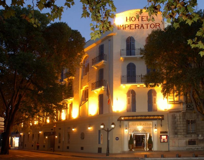 La façade de l'hôtel Imperator à Nimes