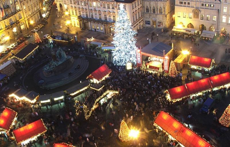 Vue aérienne du Marché de Noël à Prague