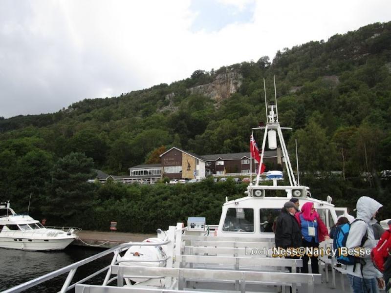 Prendre le bateau sur le loch Ness en Écosse