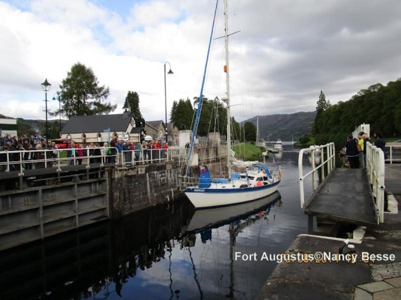 Le bateau à Fort Augustus en Écosse