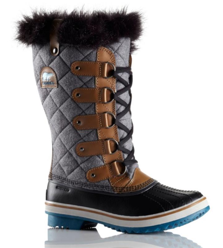Des chaussures étanches et résistantes au froid : $200